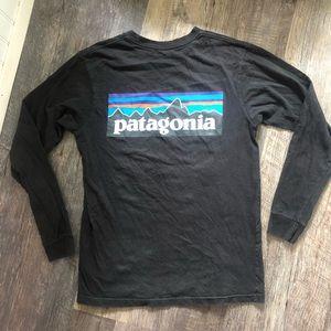Patagonia   Black Long Sleeve Tee